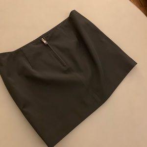 elizabeth & james mini skirt size 0.